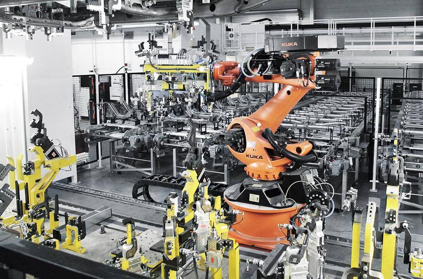 фото роботов на производстве