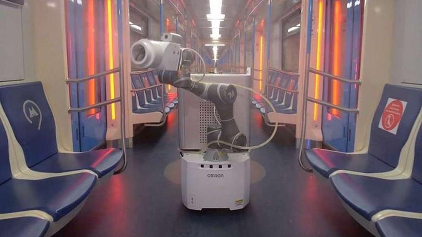 фото Робот-дезинфектор в московском метро