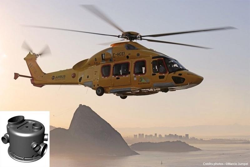 вертолет летит