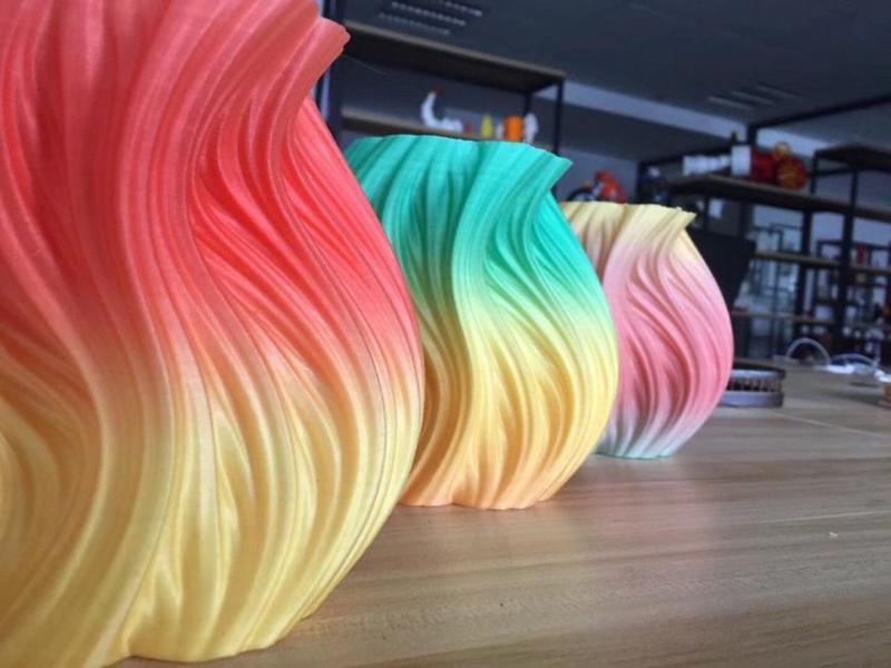 вазы разноцветные