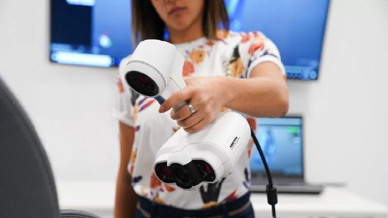сканер в руках