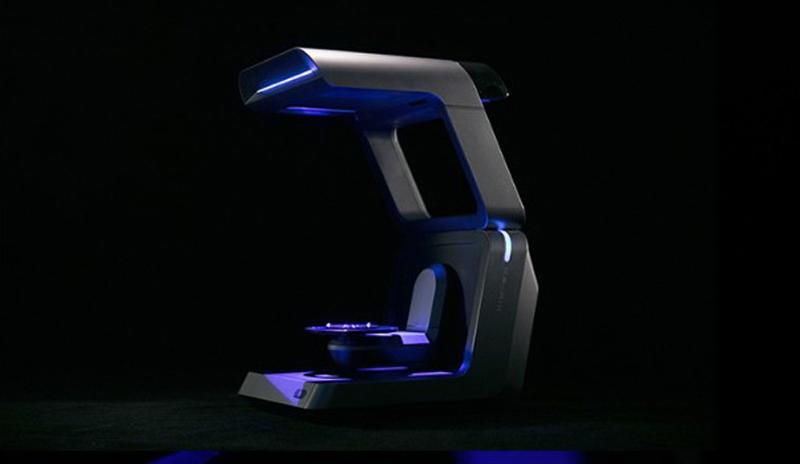 сканер в темном помещении