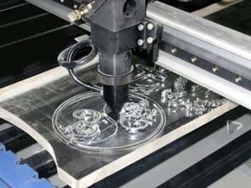изделие из стекла на лазере