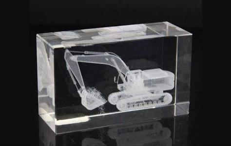 трактор в кристалле